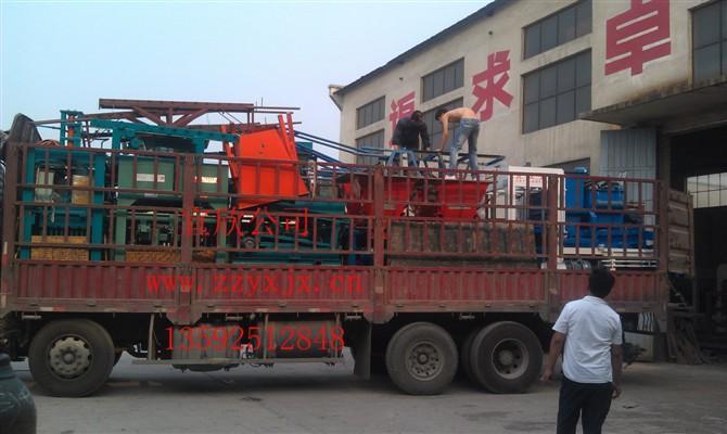 3-15水泥垫块机和4-15水泥砖机发往贵州
